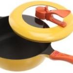 軽くて焦げ付かない蒸し器としても使えるキュートなフライパン