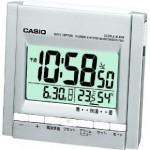 コンパクトかつ温度計&湿度計を搭載した電波時計